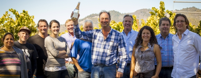 group photo of rowan gormley and angel funded winemakers